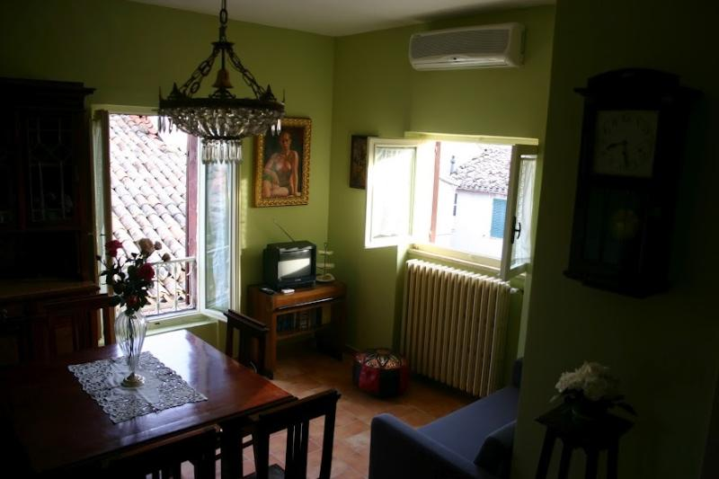 SAN VICINO APPARTAMENTO 4 PAX, holiday rental in Colle San Valentino