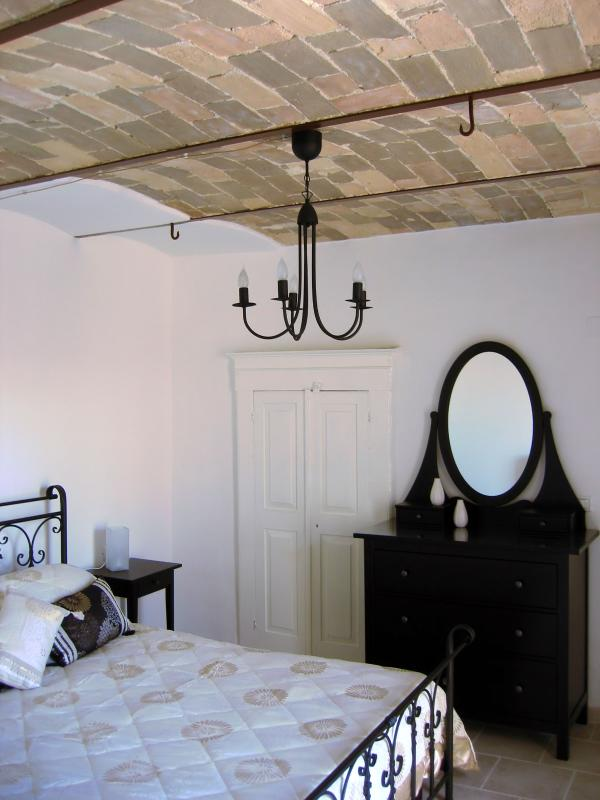 Bedroom on lowest floor (balcony,lobby,en suite walk in wardrobe)