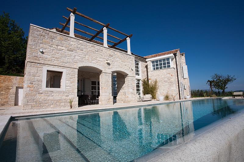 Stunning  25 meter Pool