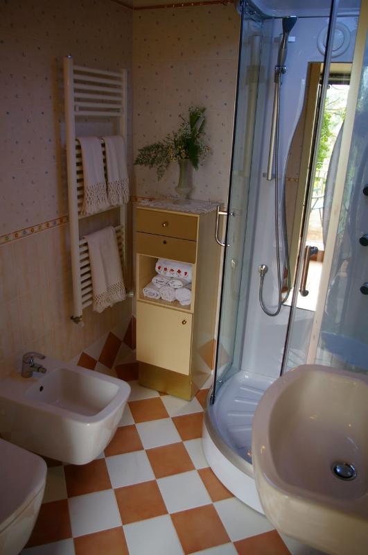 Giardino livello bagno #villatorredicolonne