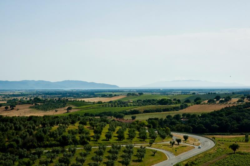 vista del mare e del monte Argentario da una delle camere della Locanda