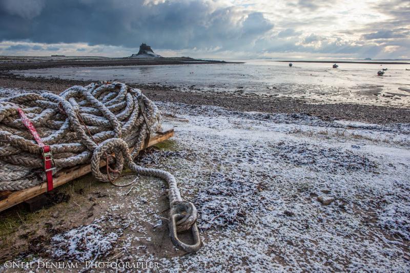 Mirando desde el puerto hasta el castillo por Neil Denham