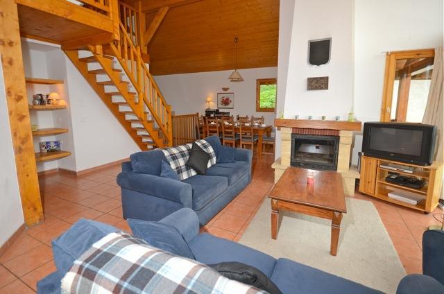 Open plan lounge/dining