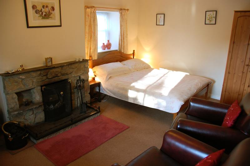 Living area/double bed.