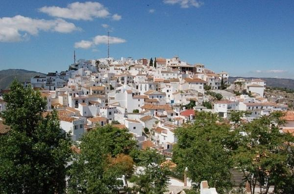 Comares has the most breathtaking panoramic views, with typical Moorish in its layout.