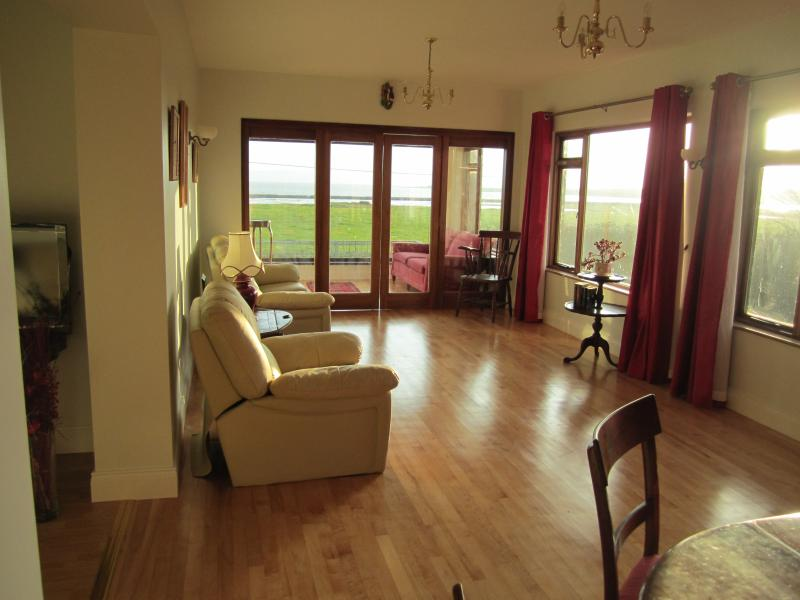 Herdsman's House Self-Catering Holiday Home, holiday rental in Rosses Point