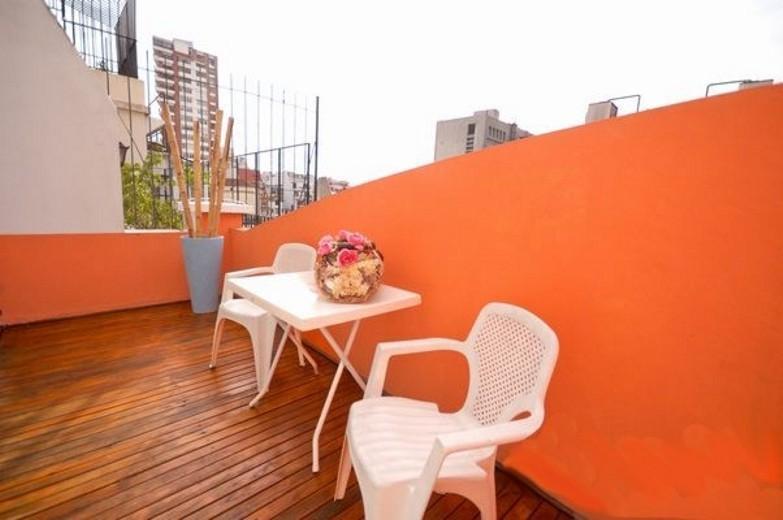 Top-floor balcony 1-