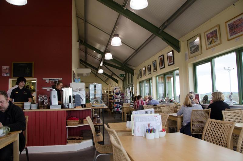 Restaurant en koffie winkel in de buurt