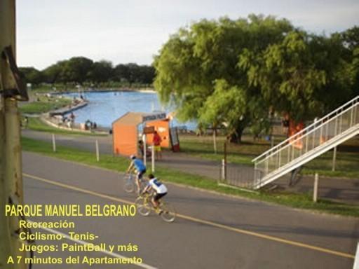 Parque M. Belgrano a 7 minutos del Apartamento en Bus. Tenis, bicicleta y más