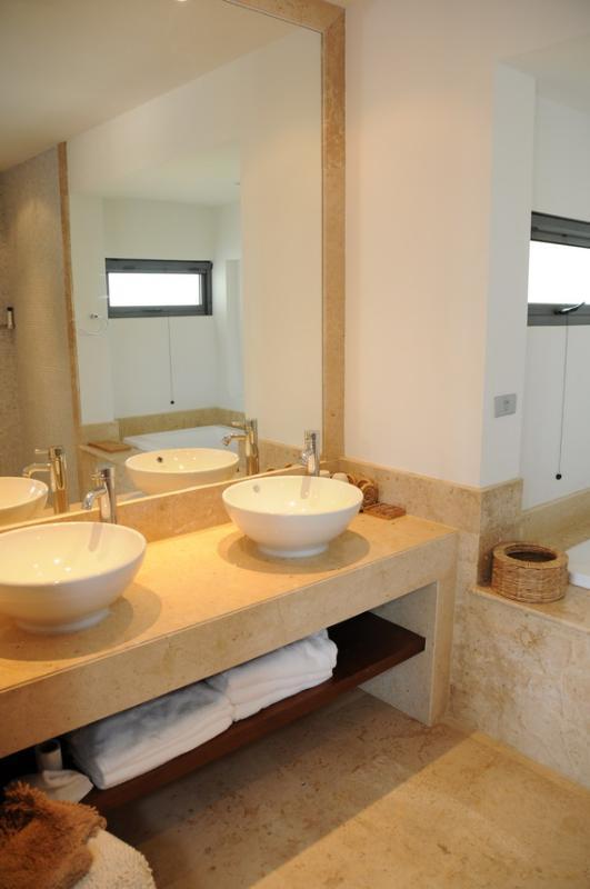 Bathroom en suite for master bedroom