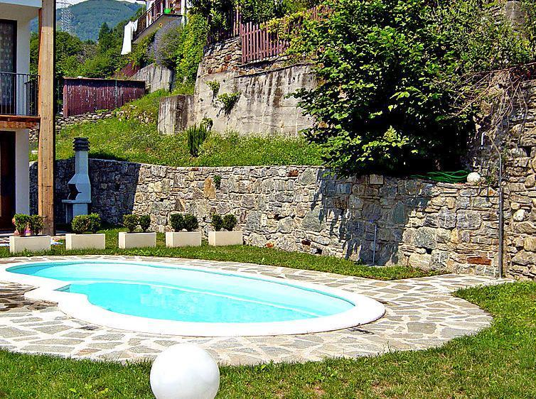Outside swimming pool