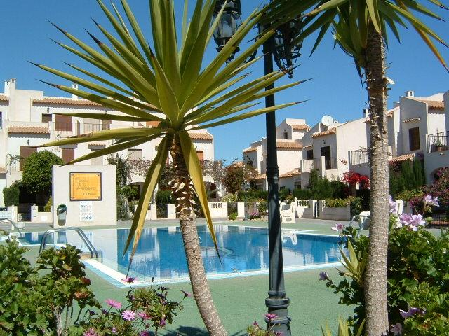 HOLIDAY HOME IN PRIME LOCATION CLOSE TO BEACH, vacation rental in La Zenia