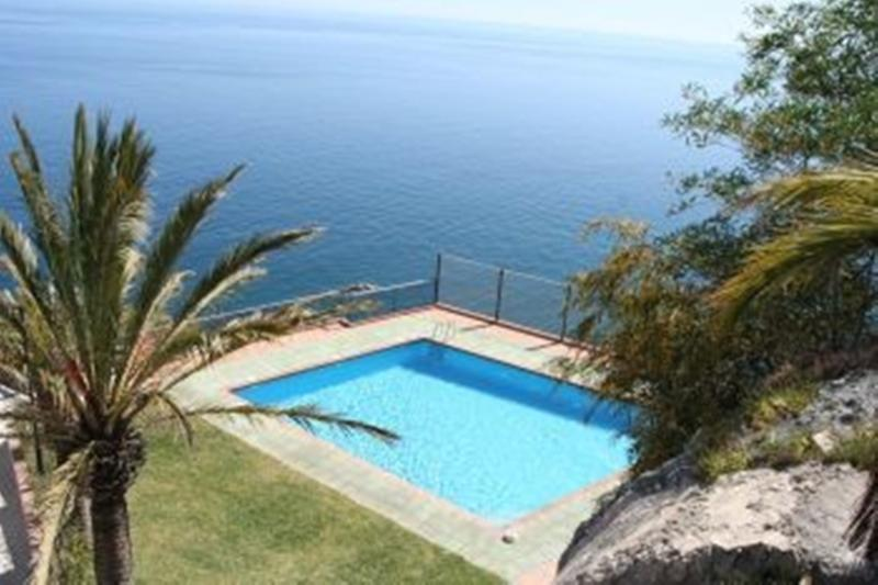 looking down to La Rijana pool and its setting