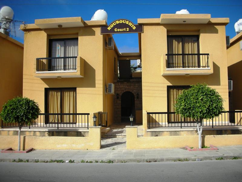 Kouroushis Court 2 Apartments