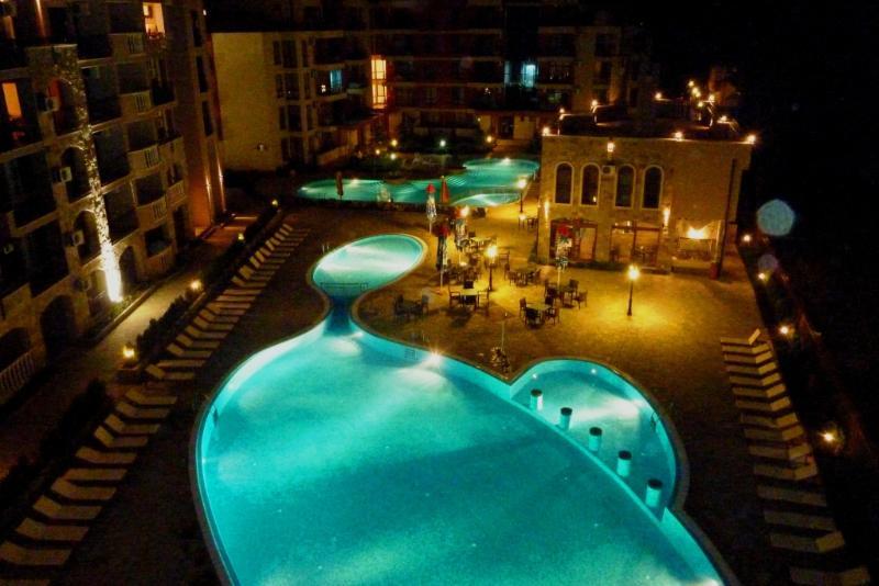 Soirée piscine côté balcon vue
