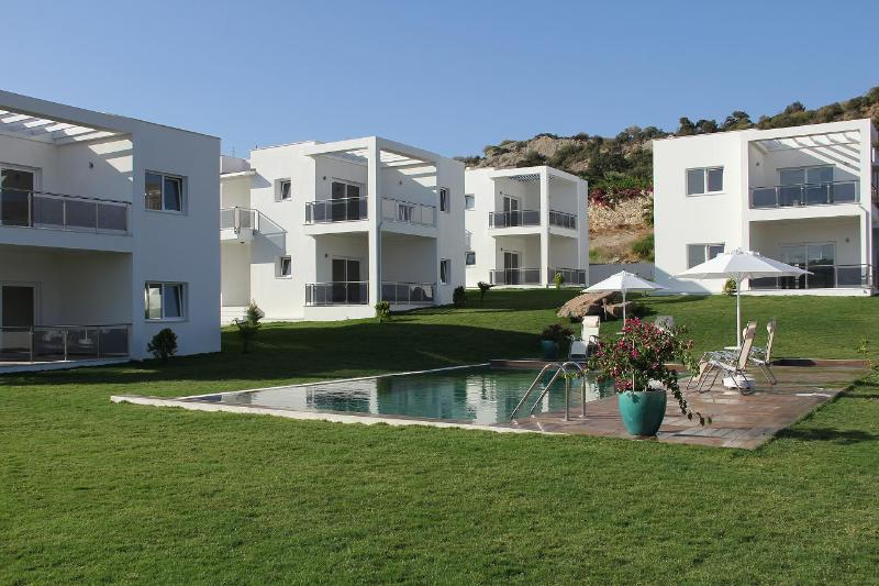 Casa Roca Gumusluk Houses ,new furnished., alquiler de vacaciones en Gumusluk