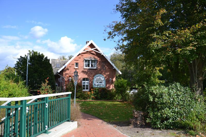 Beliebtes Ausflugsziel: Das 'Kukelorum' an der Schleuse in Aurich-Rahe