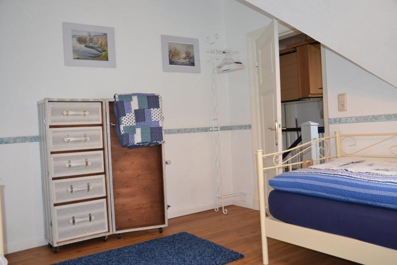 Beide Betten sind mit viskoelastischen Matratzen ausgestattet.