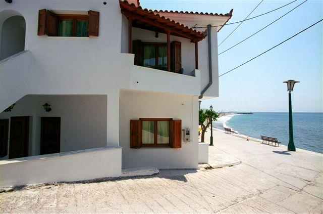 Dion Studio Apartment, alquiler de vacaciones en Glossa