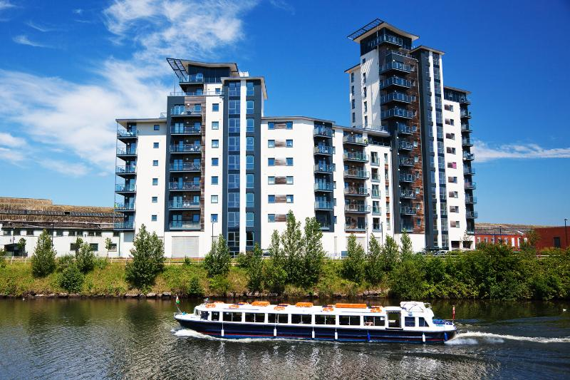WaterSide Apartments Free Parking & Wi Fi, vakantiewoning in Cardiff