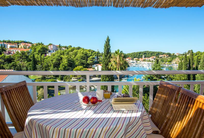 Rafaela apartment, vacation rental in Cavtat