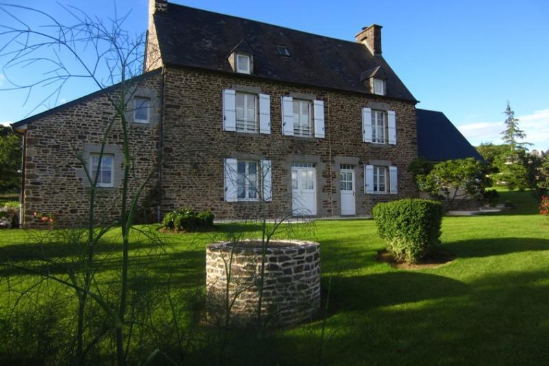 Les Hortensias Gîte de charme avec 3 chambres, vacation rental in Brecey