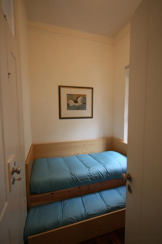 The 3 Sisters Lisbon :: room 2