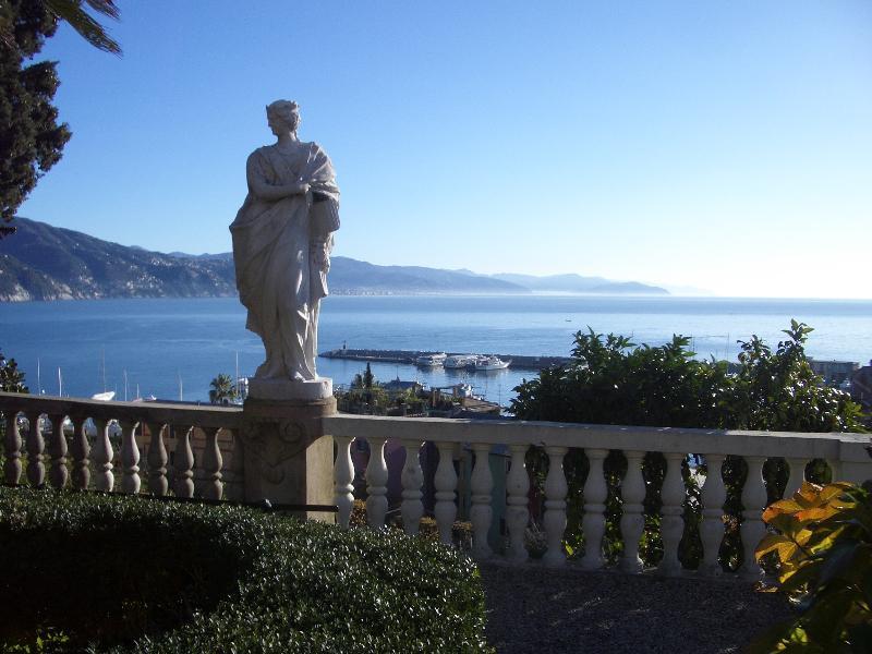 Wunderschönen Park 'Villa Durazzo' 1 Minute vom Casa Dogali