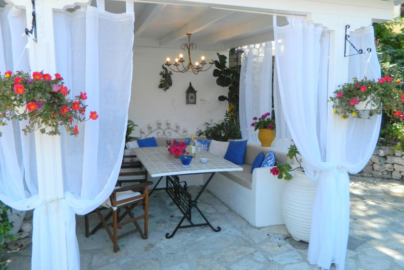 Summer Place 18th Century converted Townhouse, location de vacances à Gaios