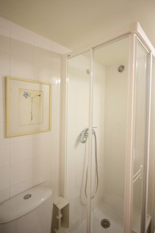 The 3 Sisters Lisbon :: bathroom
