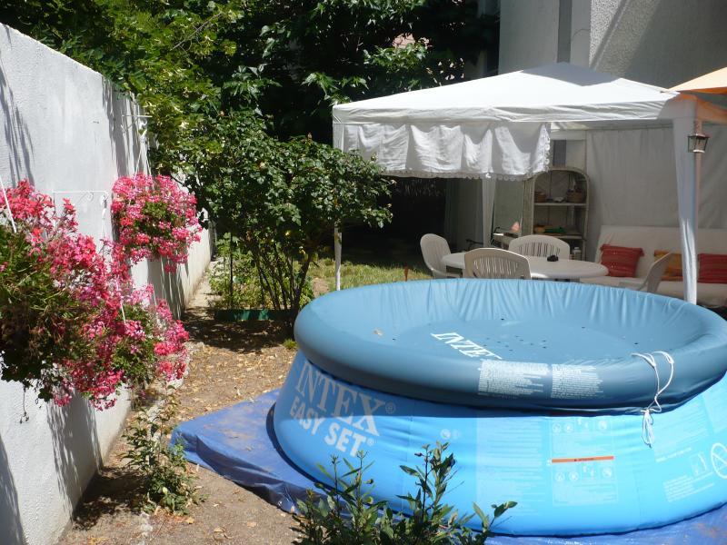 Appartement avec jardin à Montpellier, France, holiday rental in Castelnau-le-Lez
