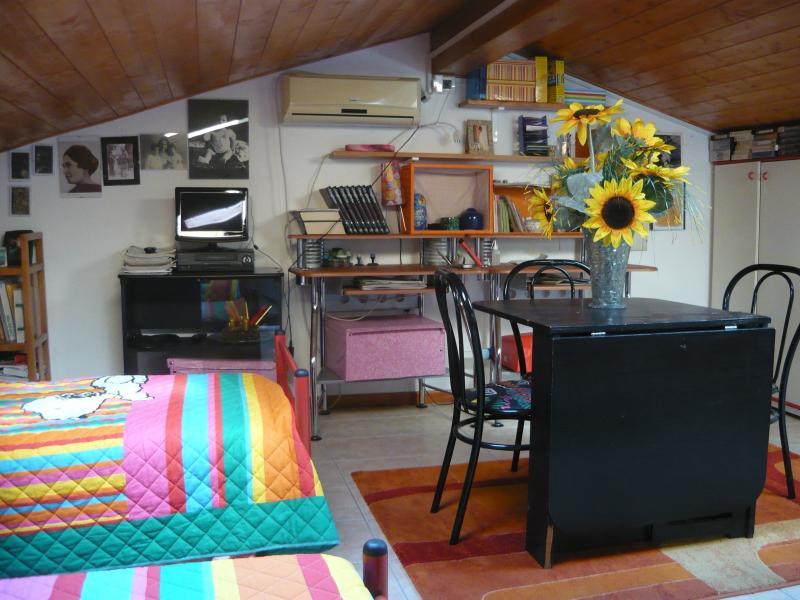 mansardata con cucina e bagno privato, location de vacances à Cordignano