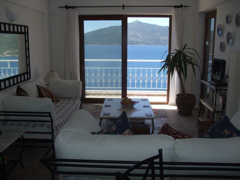 WITH STUNNING SEA VIEWS, Kalkan Breeze Komurluk Apartment, Kalkan, Turkey, holiday rental in Kalkan