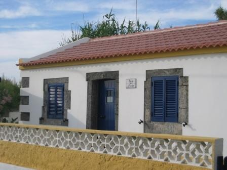 Beach House, vacation rental in Mosteiros