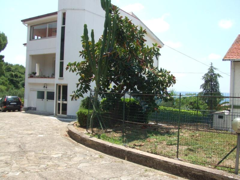 VILLA GIULIA, vacation rental in Novi Velia