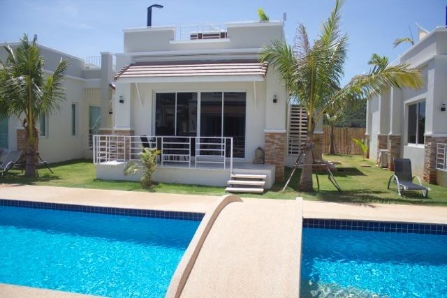 Oriental Beach Pearl Resort, vacation rental in Kui Buri