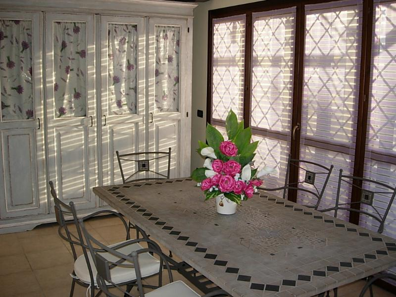 dining room (detail)