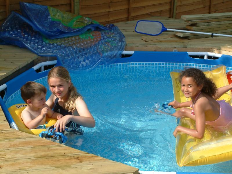 Children's swimming pool - 1 metre depth