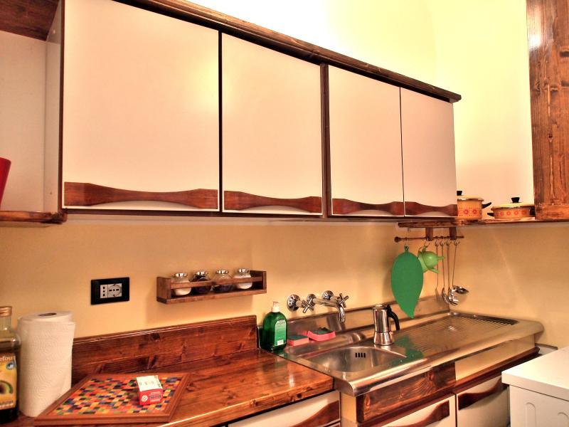 lovingenoa GUEST HOUSE-cocina -