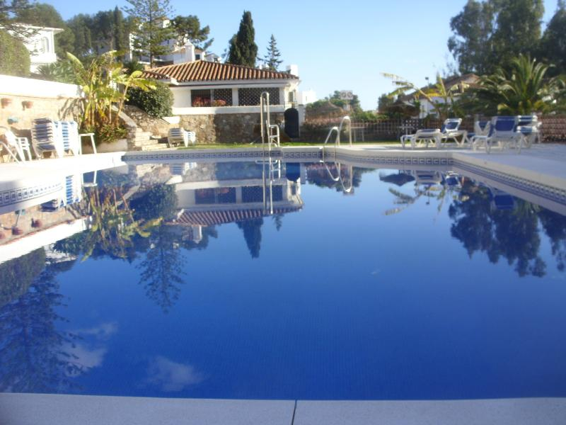 very good sized pool,seaview in the background