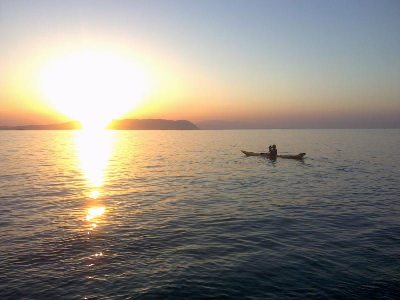 kayak di mare