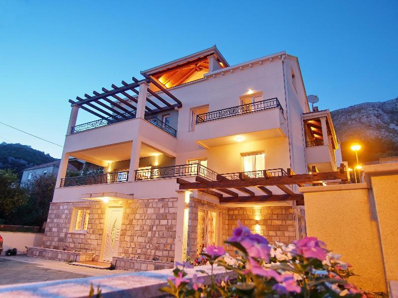 Villa Maslina - Azzuro, vacation rental in Dubrovnik