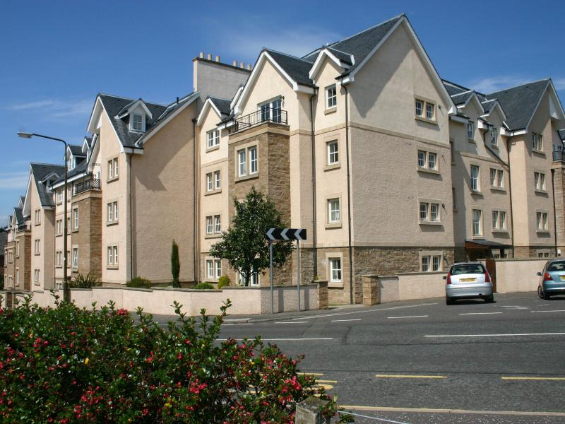 27 Royal Apartments, holiday rental in North Berwick