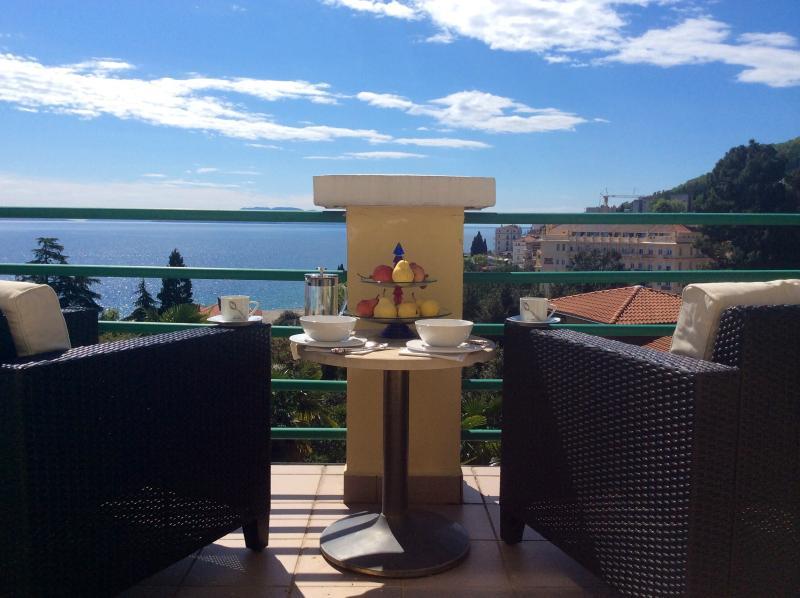 Penthouse w/Terrace In Private Austrian Villa, Near Milenij Hotel, Sea View, holiday rental in Opatija