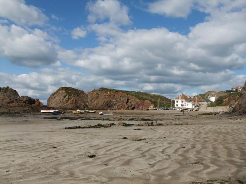 Autumnal sunshine at Hope Cove - 1.5 miles from Hope Thatch