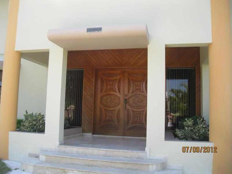 Front porchway