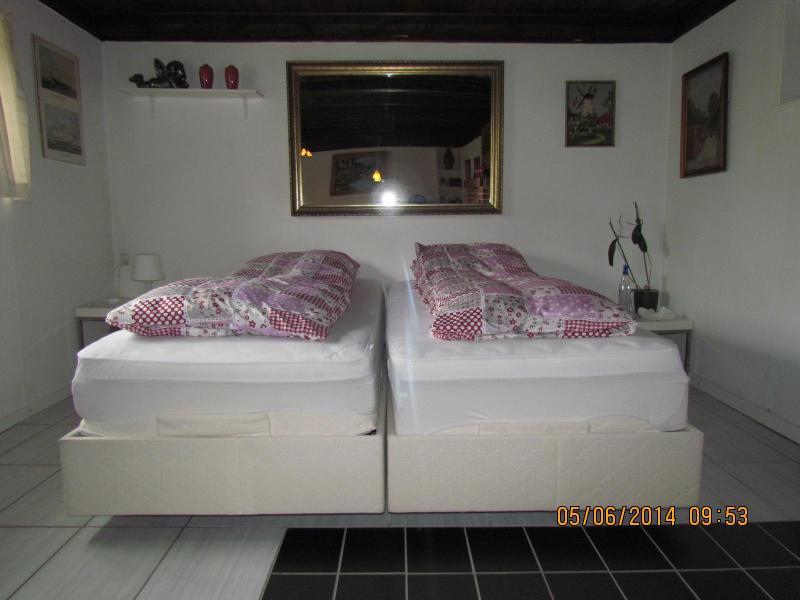 Master bedroom med ställbara sängar var sover du som en dröm :-)