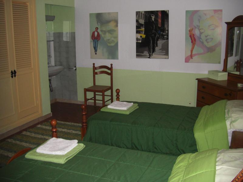Singles  bedroom