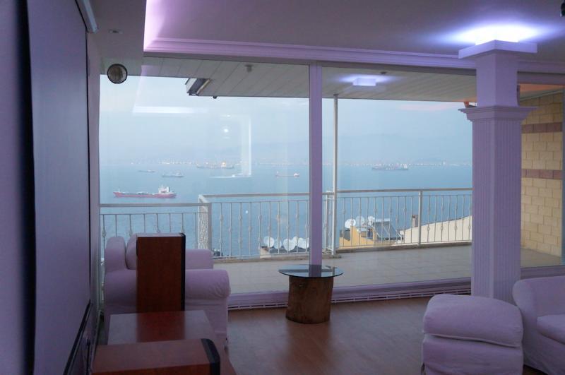 Great Sea View in City Center-izmir, holiday rental in Izmir