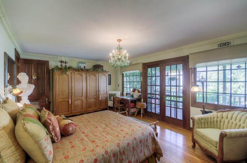 La vostra suite privata con annesso bagno e patio esterno.